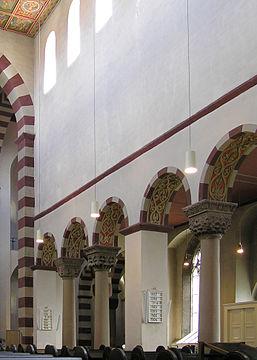 Hildesheim St Michael alternation of arcade