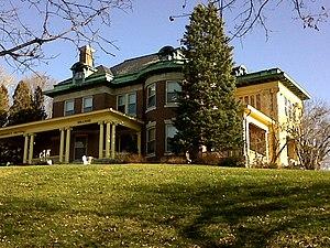 Hillside (Davenport, Iowa) - Hillside from Mississippi Avenue and River Drive