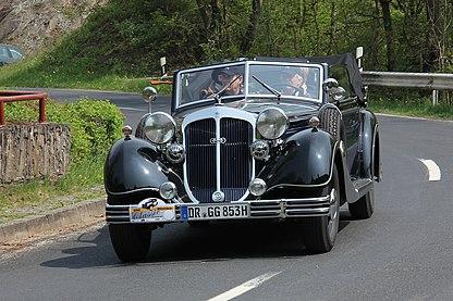 Horch 853 Cabriolet, Bj. 1936 (2013-05-04).JPG