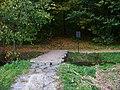 Hostavice a Kyje, lávka přes Svépravický potok pod Horkou.jpg