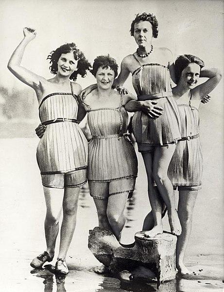File:Houten badpakken - Wooden bathing suits (4194412077).jpg