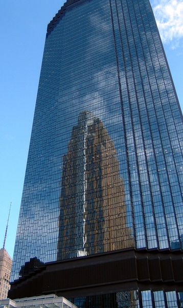File:IDS reflecting Wells Fargo.jpg