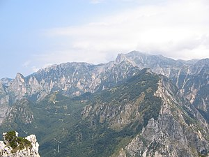 Pasubio mit Val di Fieno links und Val Canale rechts