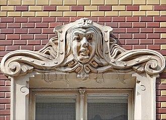 Mascaron (architecture) - Image: Immeuble art nouveau (Riga) (7568196200)