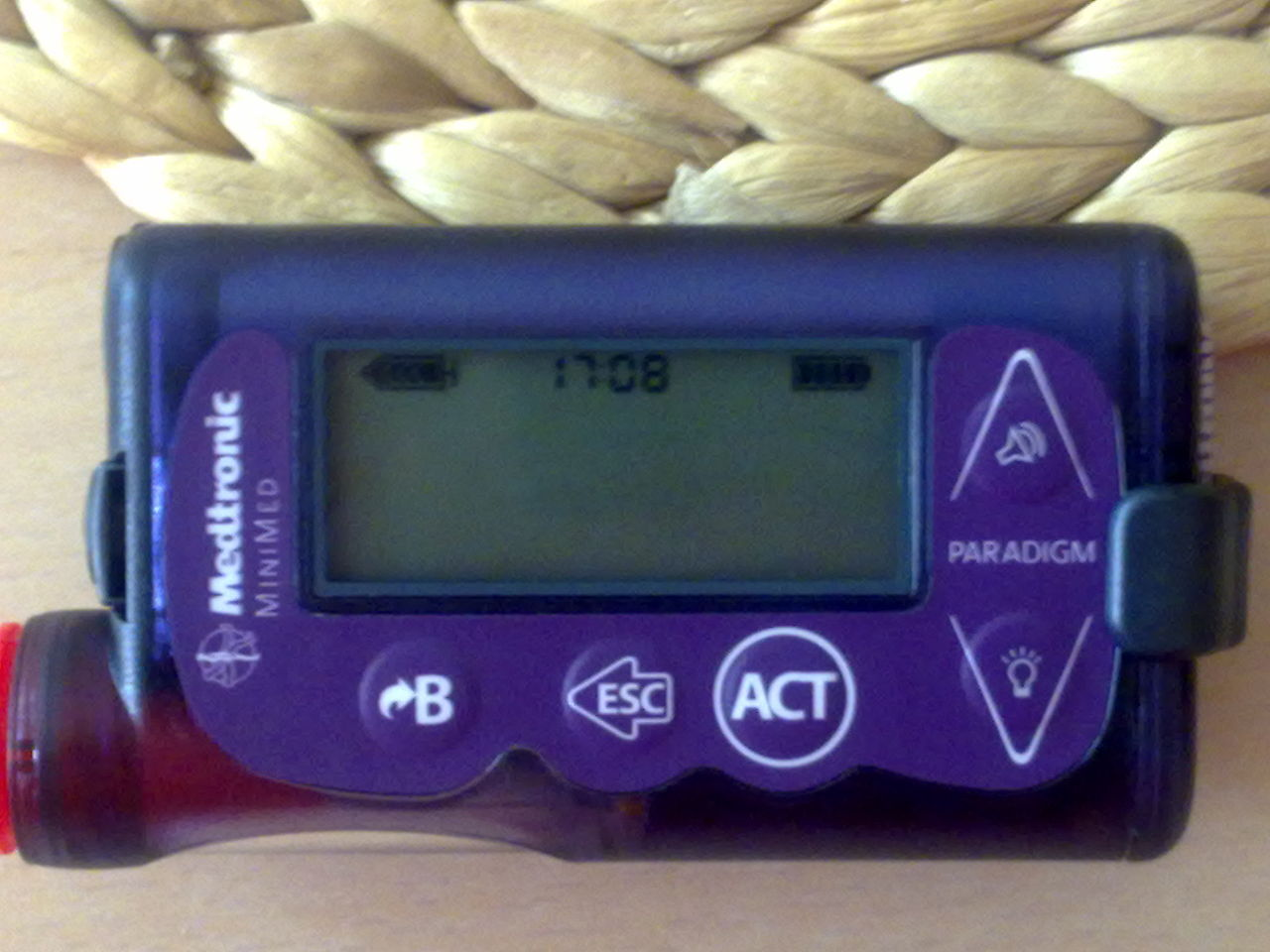 Medtronic Artificial Pancreas >> File:Insulin pump Medtronic Paradigm 754.jpg - Wikimedia Commons