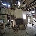 Interieur, overzicht ruimte met schouw, tijdens werkzaamheden - Leerbroek - 20339344 - RCE.jpg