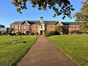 Itchen College - Image: Itchen Sixth Form College