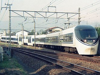 371 series - The 371 series around 1991, with its original lozenge-type pantographs