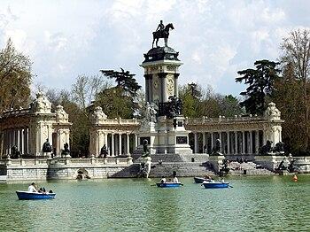 Español: Estanque del Retiro, en los Jardines ...
