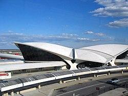 ساختمان پایانهٔ شمارهٔ  پنج فرودگاه بین المللی جان اف کندی نیویورک از آثار ایرو سارینن