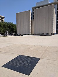 John Fitzgerald Kennedy Memorial by Philip Johnson, Dallas, Texas (41064846695).jpg