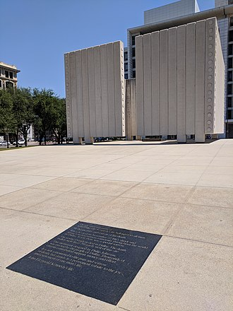 John Fitzgerald Kennedy Memorial - Image: John Fitzgerald Kennedy Memorial by Philip Johnson, Dallas, Texas (41064846695)
