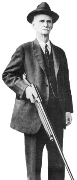 File:John M. Browning with his Auto 5 shotgun (3).png