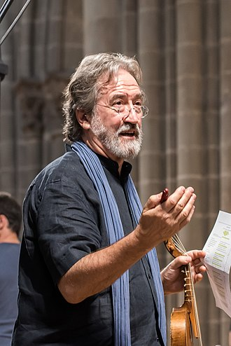 Jordi Savall - Savall rehearsing for the creation of Les routes de l'esclavage for Festival Agapé at Geneva Cathedral, June 2015
