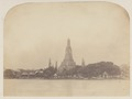 KITLV 4956 - Isidore van Kinsbergen - Big pagoda in the temple (Wat Arun) of Crown Prince Krom Loeang of Siam at Bangkok - 1862-02.tif