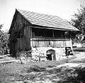 Kašča, sedaj stanovanje, Male Lipljene 1948.jpg