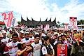 Kampanye tertib dan aman puluhan ribu massa PKS Padang 2.jpg