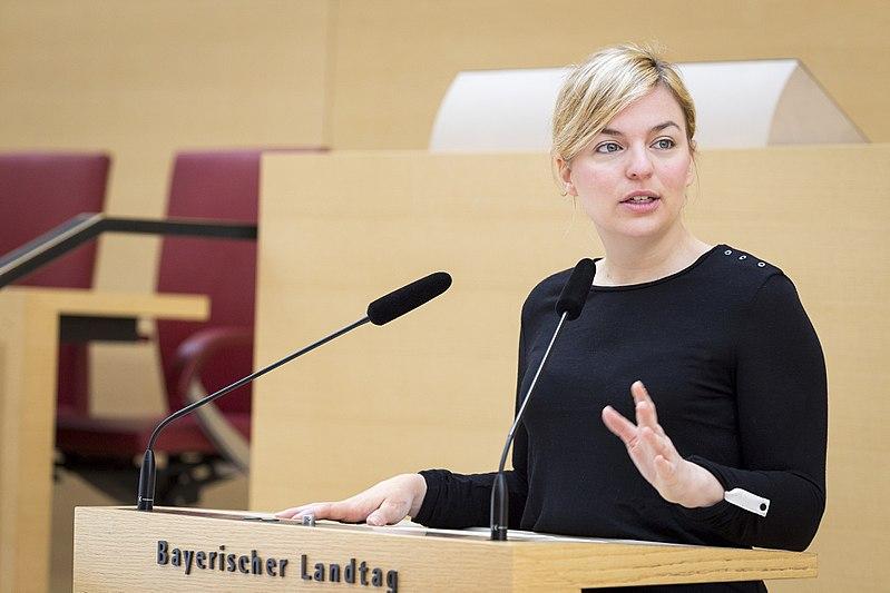 Datei:Katharina Schulze im Bayerischen Landtag.jpg