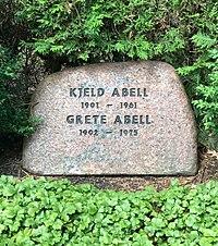 Kjeld Abell's grave Assistens Graveyard.jpg