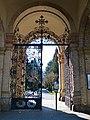 Kommunalfriedhof Salzburg Eingangstor.jpg