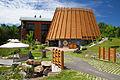 L'Hôtel-musée des Premières nations dans le village huron de Wendake.jpg
