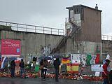 I en folkemengde i inngangspartiet til Love Parade i Duisburg, dør 21 mennesker og minst 652 blir skadet.