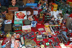 La Lagunilla Market - Some of the collectibles sold at the market