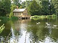 Lake at Belton House - panoramio.jpg