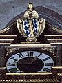 Landshut St Martin Orgelprospekt Uhr und Wappen 2.jpg