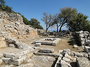 Lato - The eastern chamber of the prytaneion