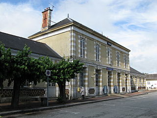 Le Buisson station