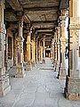 Le complexe du Qutb Minar (Delhi) (8480557880).jpg