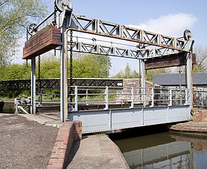Black Country Living Museum boat dock - Image: Lifting bridge (3452331571)