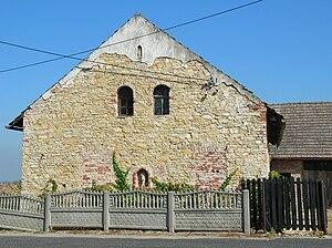 Ligota Górna, Strzelce County - Cottage built from the limestone blocks at Ligota Górna.