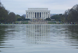 Lincoln memorial reflecting pool.jpg