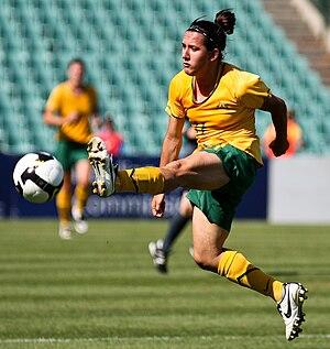 Lisa De Vanna - De Vanna playing for Australia in 2009