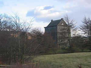 Lochhouse Tower.jpg