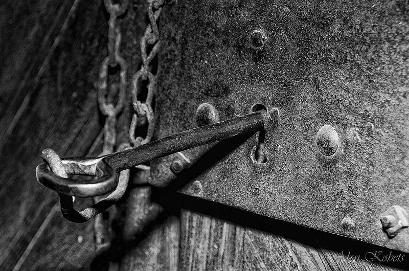 File:Lock and Key.jpg