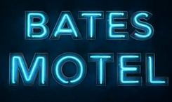 https://upload.wikimedia.org/wikipedia/commons/thumb/d/d6/Logo_de_la_s%C3%A9rie_t%C3%A9l%C3%A9vis%C3%A9e_Bates_Motel.png/245px-Logo_de_la_s%C3%A9rie_t%C3%A9l%C3%A9vis%C3%A9e_Bates_Motel.png