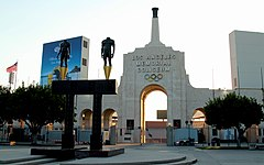 Los Angeles Memorial Coliseum (29167511626).jpg