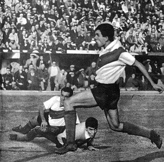 Superclásico - River Plate's player Luis Artime scoring a goal during a 1962 Superclásico, River won 3–1.