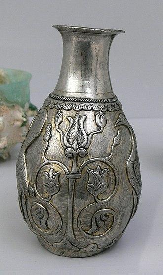 Vase - Image: MIK Sassaniden Silbervase