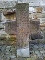 Maastricht, Sint-Servaasbasiliek, pandhof met grafkruisen 1.jpg