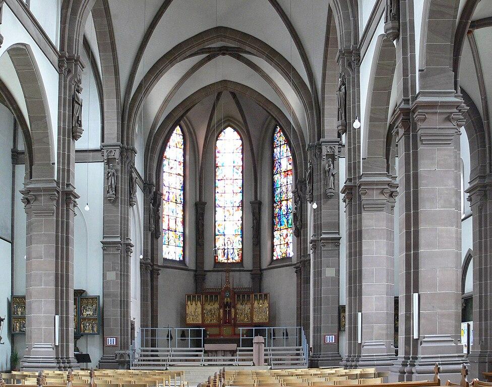 File:Mannheim Heilig-Geist-Kirche innen.jpg - Wikimedia