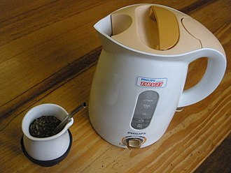 Mate (drink) - A modern mate with an electric kettle