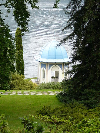 Bellagio, Lombardy - Villa Melzi: the Moorish Pavilion, furnished with neoclassical busts