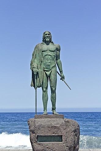 Acaimo - Statue of Acaimo in Plaza de la Patrona de Canarias, Candelaria, Tenerife.