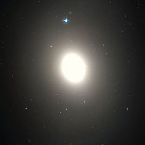 Messier 85 - M85 by Hubble Space Telescope/WikiSky