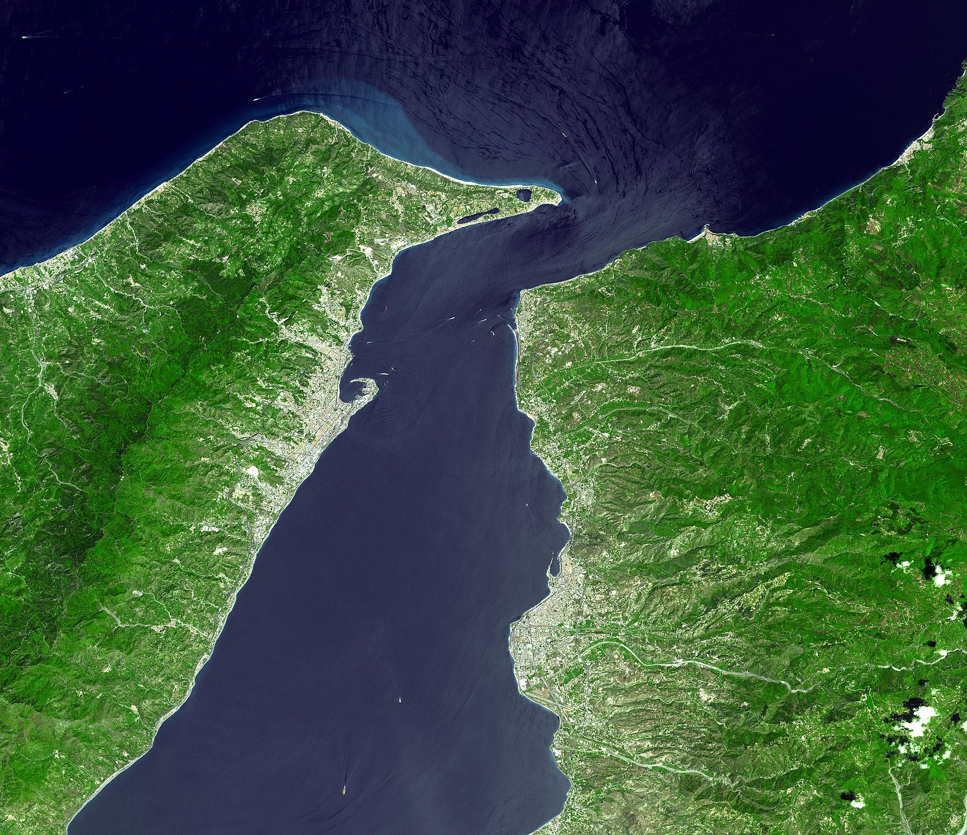 Villa San Giovanni Port