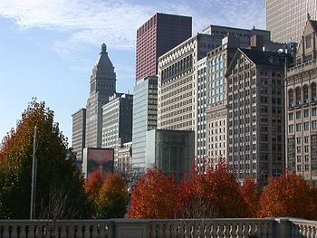 Michigan Avenue from Millennium Park in Chicag...